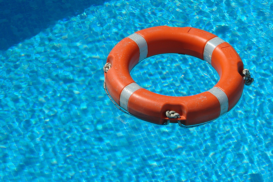eriv obroč reševalec iz vode